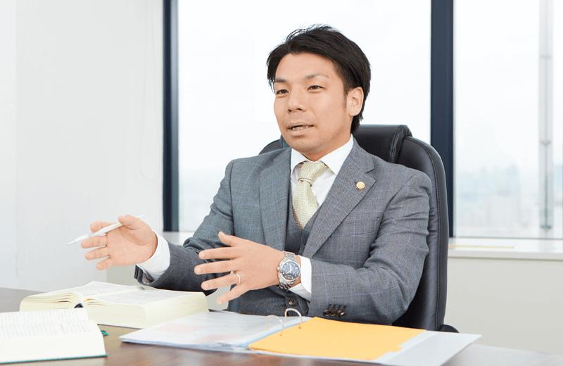 神戸法律事務所長 弁護士 小林 優介